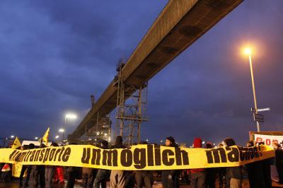 RoRo-Anleger 18.11.2012: Ausfahrt blockiert